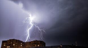 Jak się zachować podczas burzy