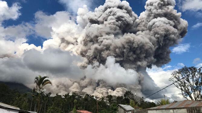 Po erupcji wulkanu spłynęły strumienie lawy