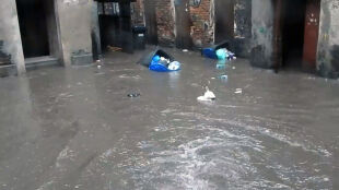 """""""Wszystko trwało chwilę"""". Pół godziny wystarczyło, żeby zalać główne ulice miasta"""